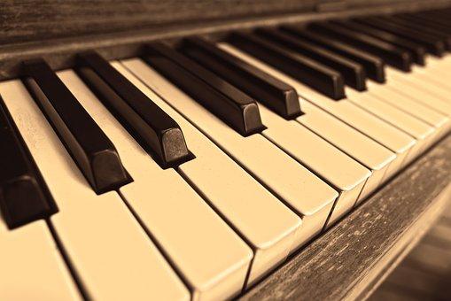 piano-3505109__340